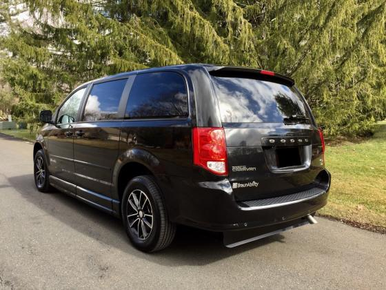 2015 Dodge Grand Caravan RT Wheelchair Access