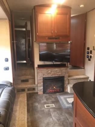 2015 Forest River Vengeance 44' Fifth Wheel Toy Hauler 3 Slides Generator