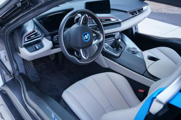 2014 BMW i8 Pure Impulse World Package