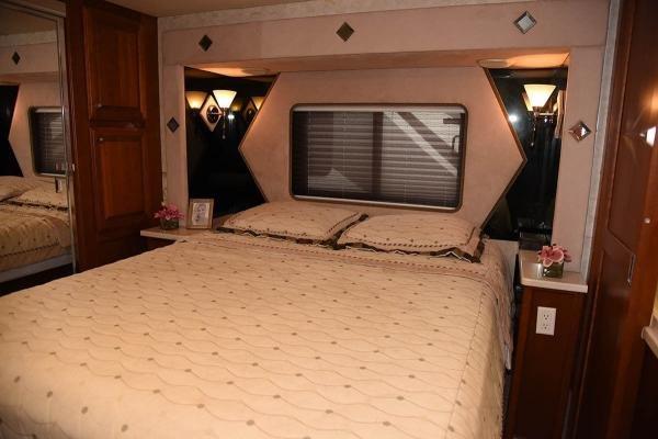 2004 Fleetwood Revolution 38B Class A Luxury Diesel RV Motorhome Coach