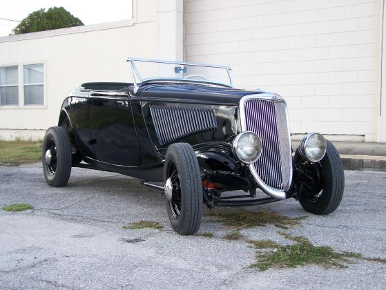 1934 Ford Deluxe Roadster Hot Rod