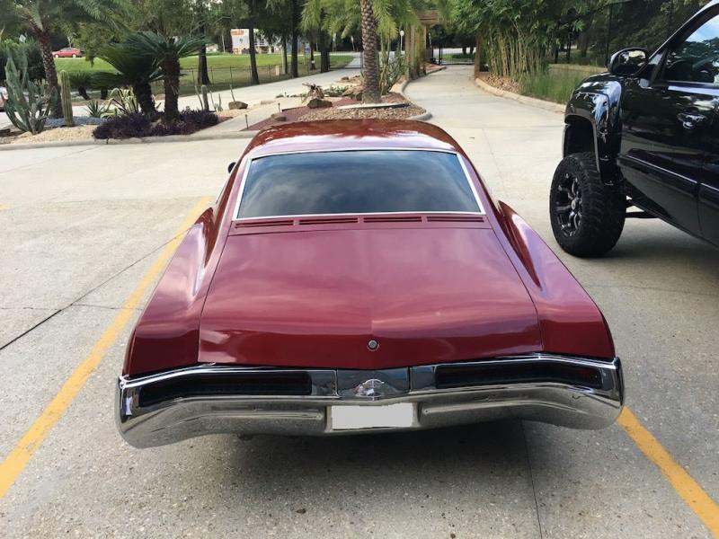 Cars - 1968 Buick Riviera Bucket Seats