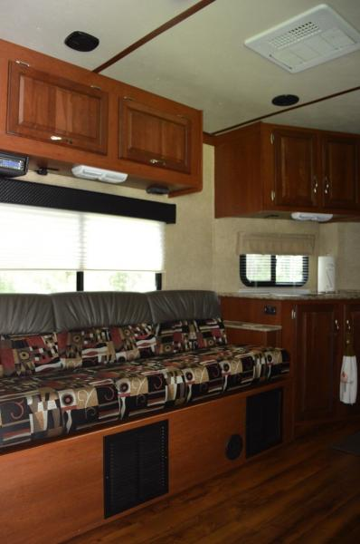 Motorhomes 2014 Forest River 28vfk Work And Play Toy Hauler