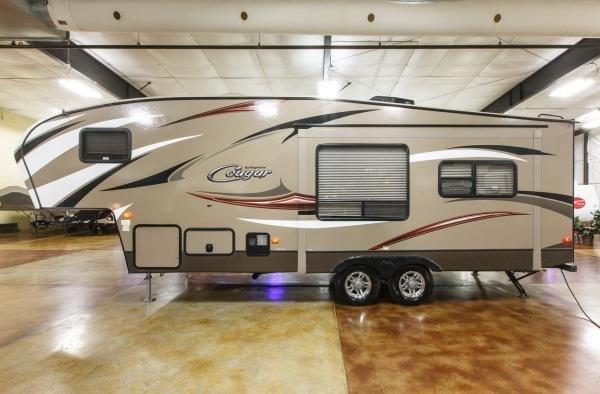 2016 Keystone Cougar X-Lite 26RLS Rear Living Room 5th Fifth Wheel