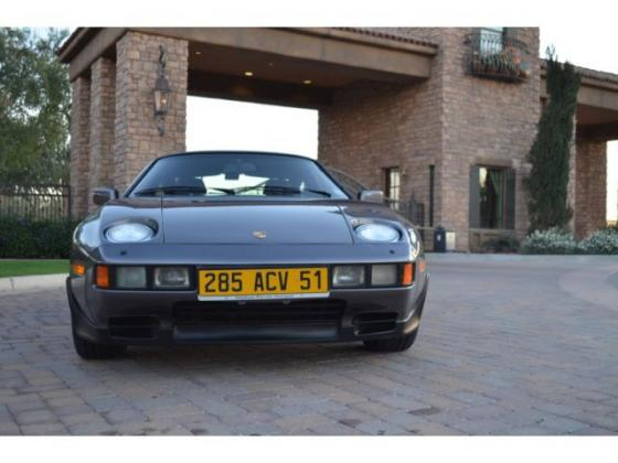 1986 Porsche 928S 5-Spd Coupe
