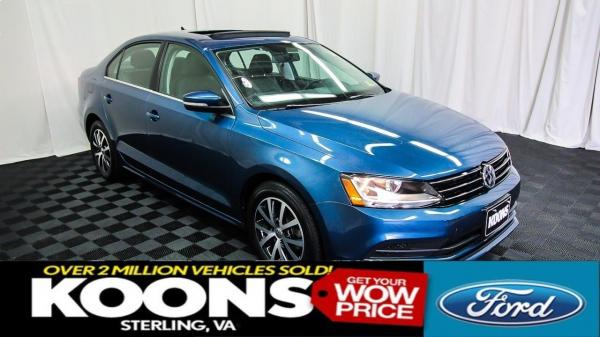 2017 Jetta **LEATHER, MOONROOF, BACKUP CAMERA**
