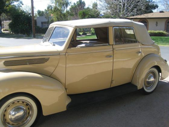 1938 Ford Deluxe Sedan Convertible