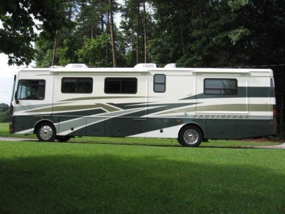 2003 Fleetwood Providence RV 39U