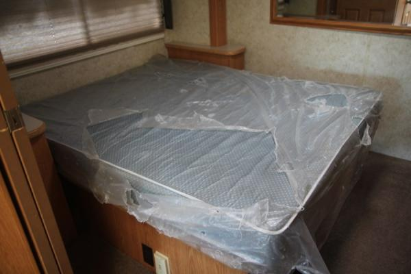 2004 Four Winds Hurricane 32' Class A RV 2 Slide Outs