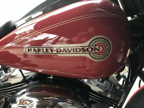 2007 Harley-Davidson Ultra Classic FLHTCUI Firefighter Edition