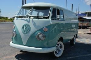 1967 Volkswagen Bus Vanagon Type 2-7 Window Splittie