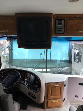 2002 Freightliner X-Line Reflection RV Class A