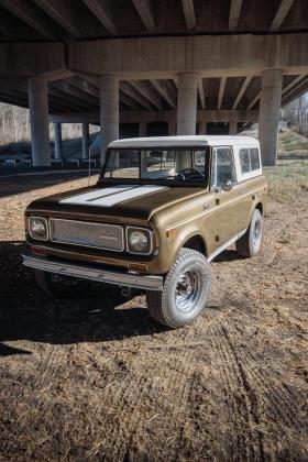 1970 International Harvester Scout 800A Gold SR2 Edition V8