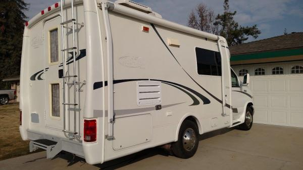 2003 FORD E-350 Trail Lite by R-vision Class B+ With Slideout