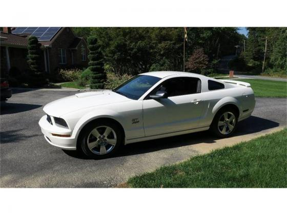 2007 Ford Mustang GT Low Miles