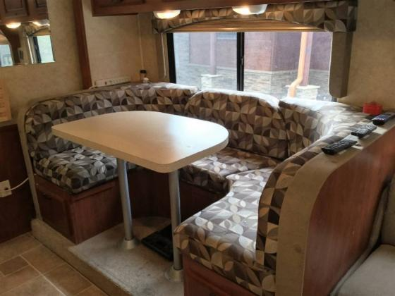 2012 Forest River SUNSEEKER 3010DS