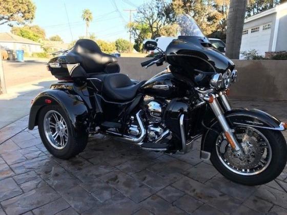 2014 Harley-Davidson Tri Glide Trike FLHTCUTG