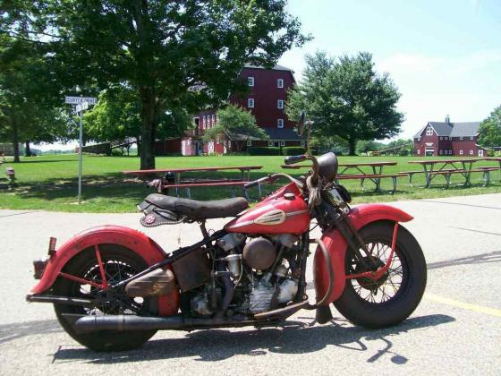 1946 Harley-Davidson Knucklehead Red