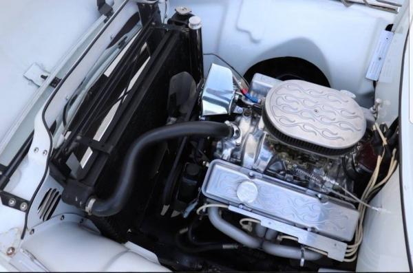 1955 Ford F-100 White V8