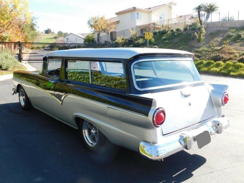 Cars - 1957 Ford Del Rio Station Wagon 302