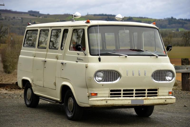 Cars - 1965 Ford Econoline Falcon Club Wagon