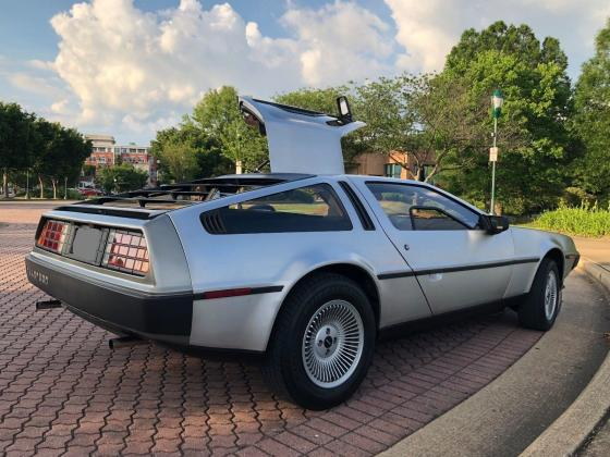 1981 DeLorean DMC-12 Coupe Low Milleage-Stainless