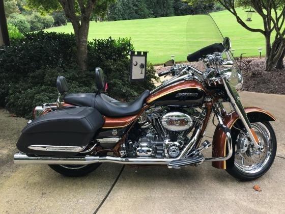 2008 Harley-Davidson Road King FLHRSE4 Touring