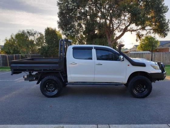 2015 Toyota Hilux SR 4WD Diesel