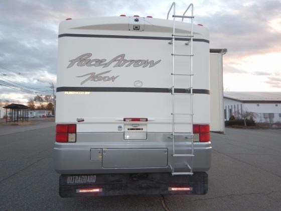 2001 Fleetwood Pace Arrow Vision 36ft Class A Motorhome 2 Slides