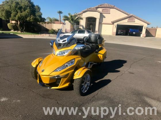 2015 Can-Am Spyder Limited RT Low Miles!