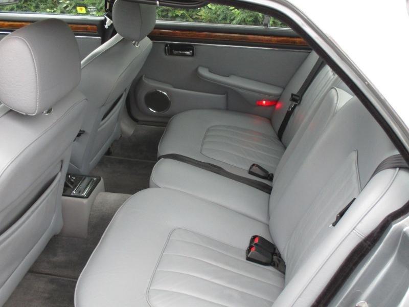Cars - 1986 Jaguar XJ12 Series III