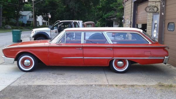 1960 Ford Country Squire Wagon 4 Doors