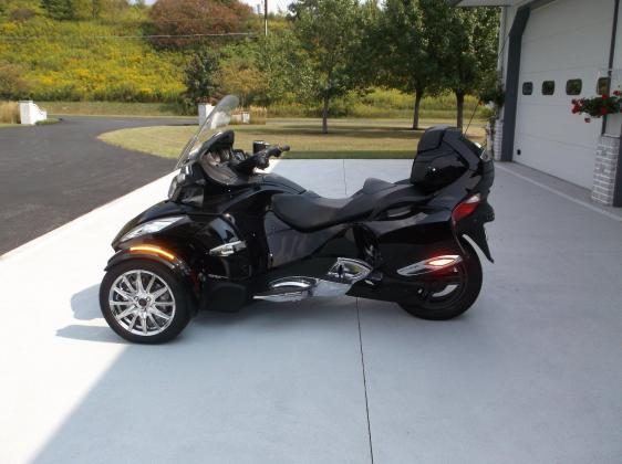 2013 Can-Am Spyder RT Limited Like New