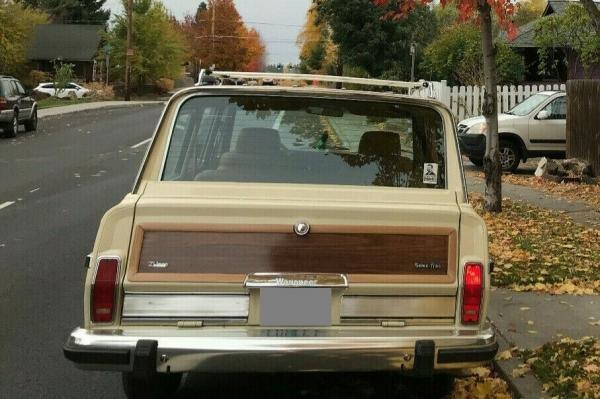 1986 Jeep Grand Wagoneer Wood Grain 359 CID V8